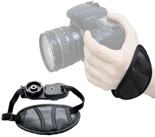 Tamron 70-300mm Lens Nikon Flash 64GB Kit